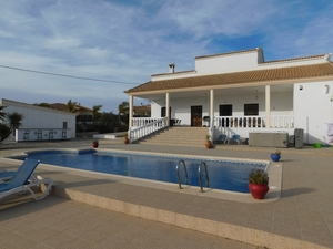 Villa te koop in Albox, Almeria