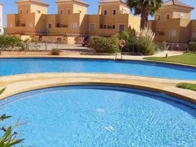 Duplex/Reihenhaus zum verkauf in Valle del Este Golf, Almeria