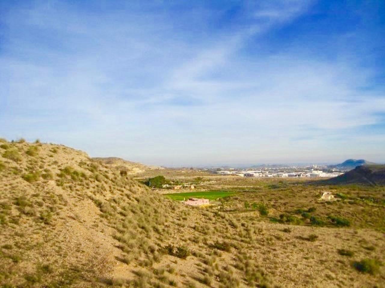 Blick aus dem grundstück in Antas