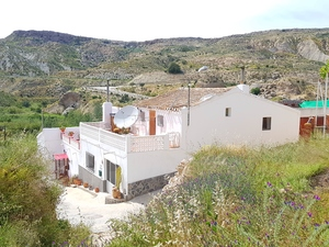 Village House for sale in La Herreria, Almeria