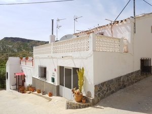 Village House for sale in La Herreria, Almeria