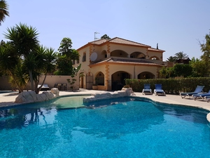 Villa for sale in Turre, Almeria