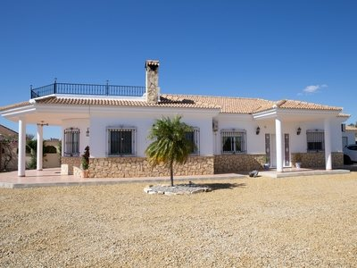 Villa for sale in Partaloa, Almeria