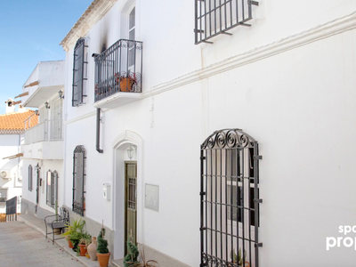Village House for sale in La Huelga, Almeria