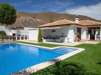 Villa en venta en Arboleas, Almeria
