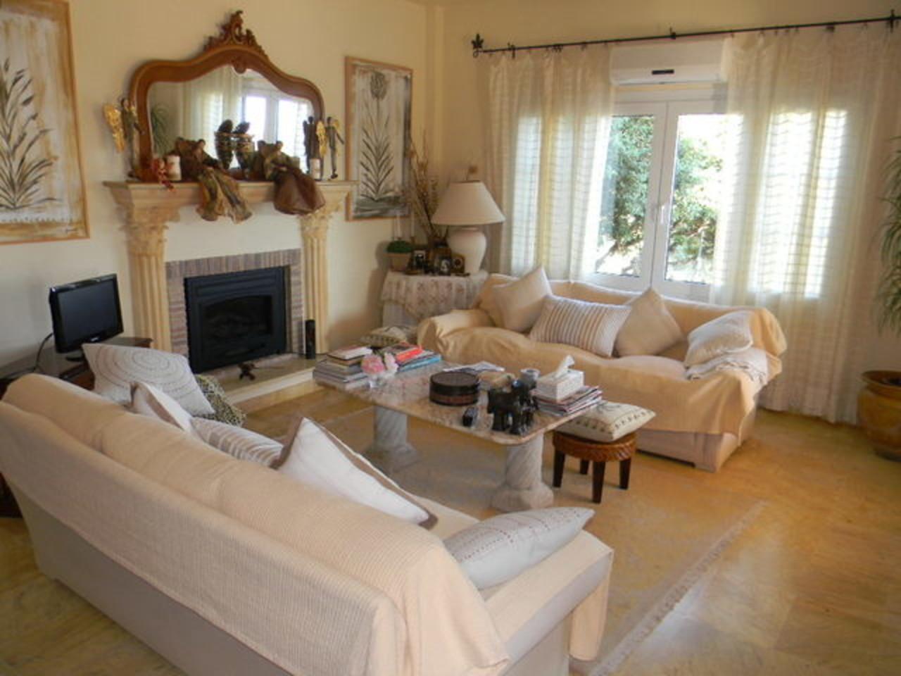 Large bright lounge room