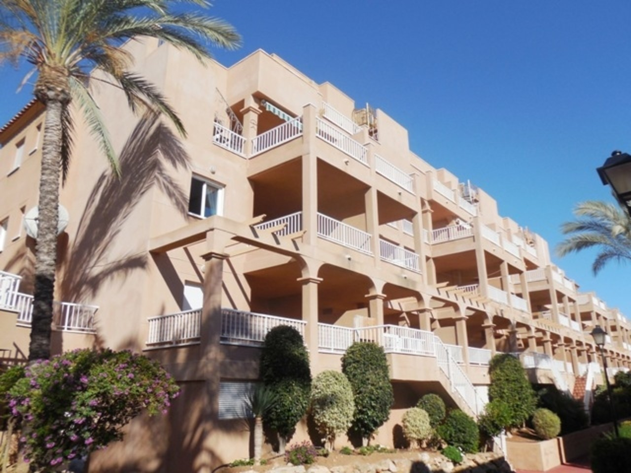 Apartment for sale in Mojacar with sea views